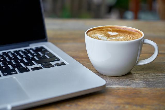 srdíčka na kávě